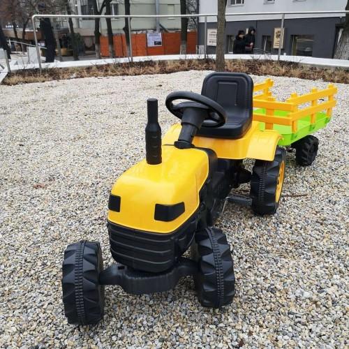 Педальный трактор DOLU 2005 желтый