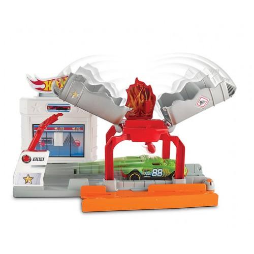 Трек Hot Wheels Пожар на заправке, DWK99